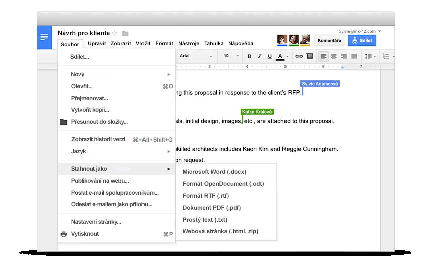 G Suite | Na jednom dokumentu můžete pracovat společně se svými kolegy nebo lidmi mimo vaši společnost. Když ostatní provádějí změny, přímo vidíte, jak píšou. Komunikovat spolu můžete prostřednictvím integrovaného chatu, případně můžete vkládat komentáře.